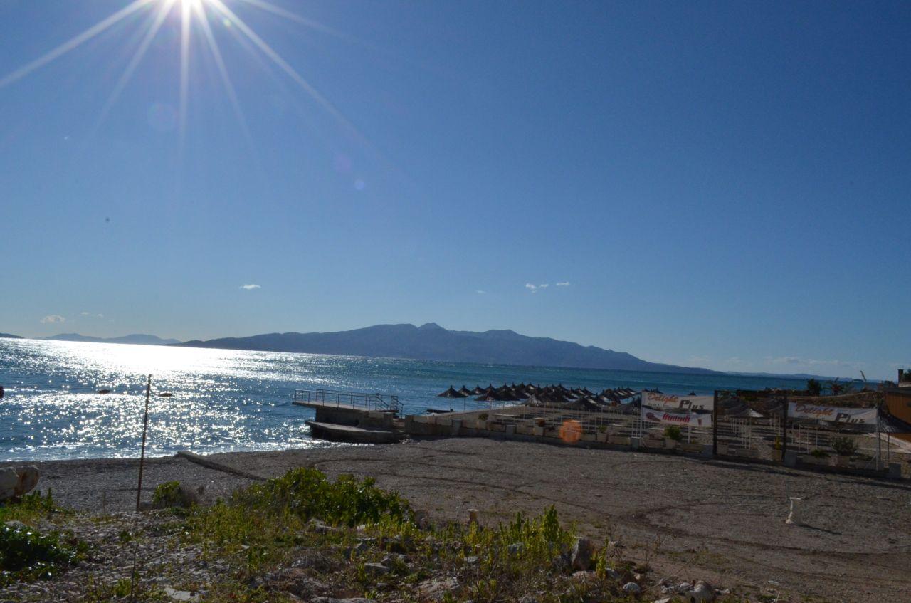 Eladó lakások Saranda-ban, nagyon közel a gyönyörű Jón-tengerhez.