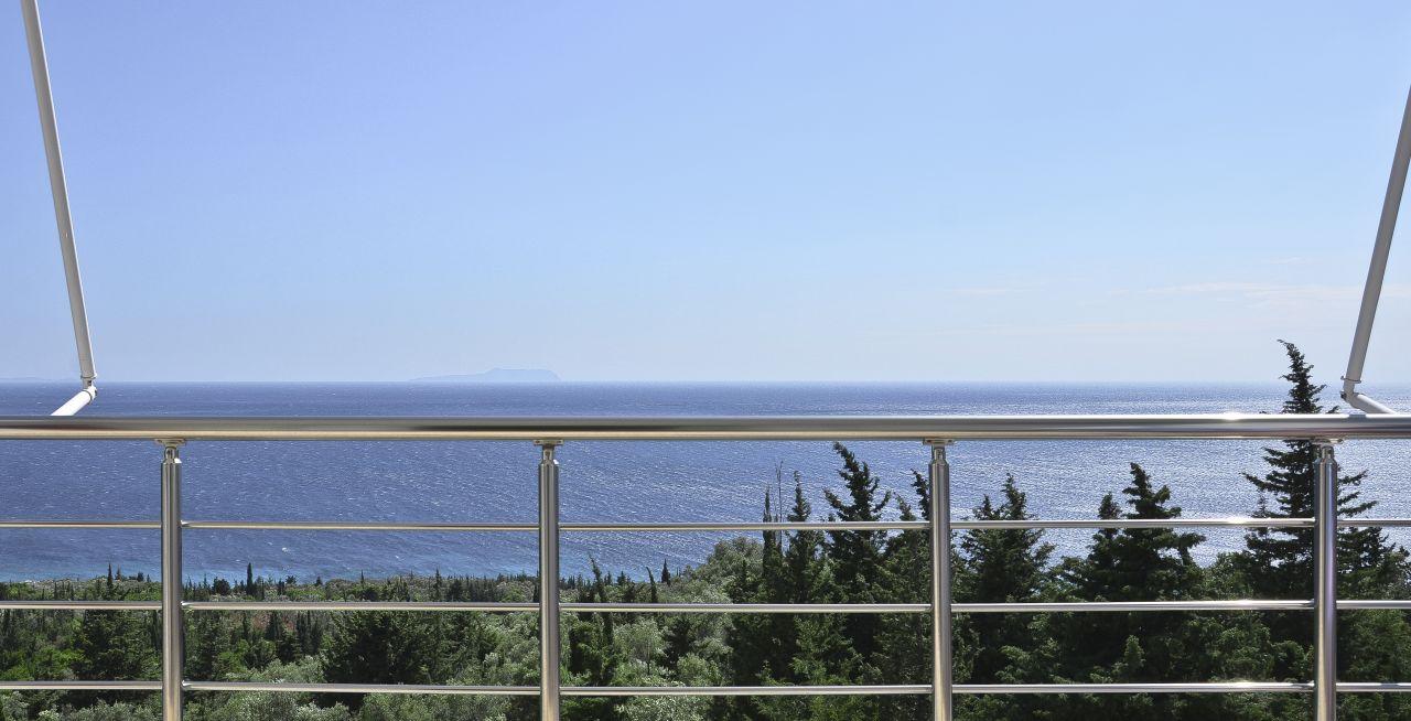 Отдых на побережье Албании!  Отдых в Отеле Периволос.
