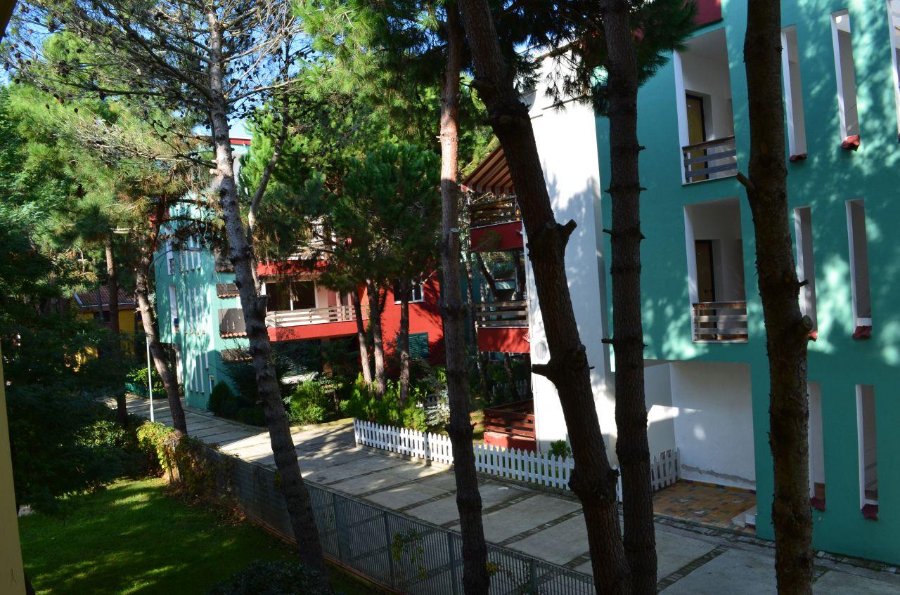 Leilighet til ferier i Durres til leie. Det ligger nær sjøen, i nærheten av hovedstaden Tirana, og andre albanske byer.