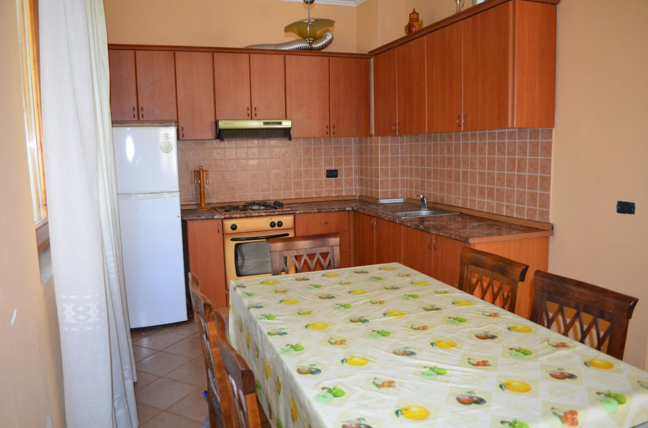 Apartment located in a villa with beautiful garden and swimming pool, for rent. The apartment is ideal for summer vacations as it is located near the sea.