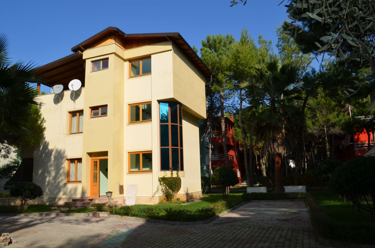 Wakacyjna willa do wynajęcia w Durres, Albania. Ogrodzony kompleks turystyczny w Albanii