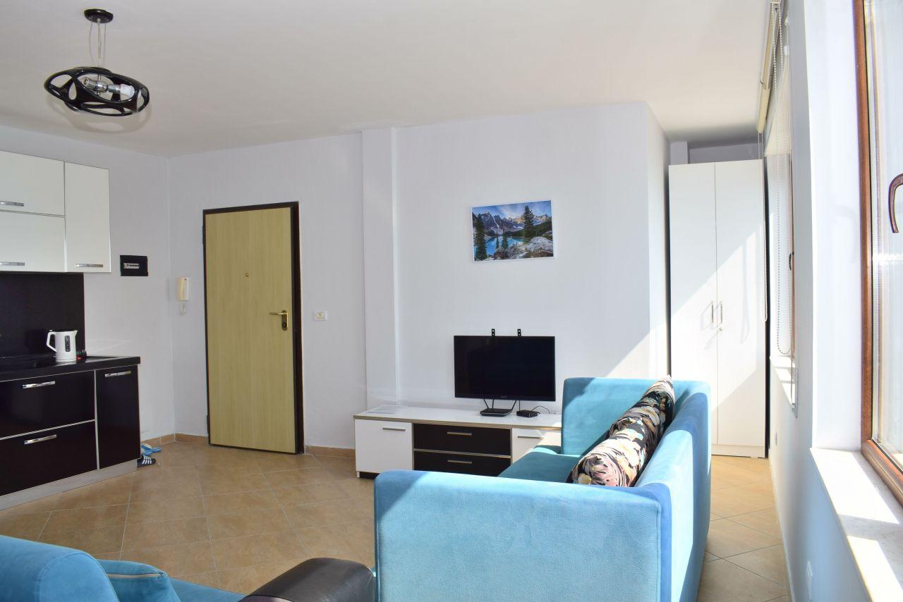 Attico in Affitto in Albania. Appartamento di Vacanze a Durrazo