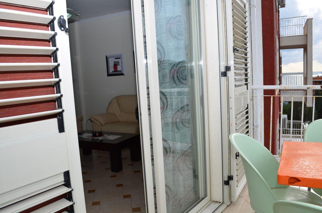 12 Rruga Anastas Durrsaku, Durres 2001