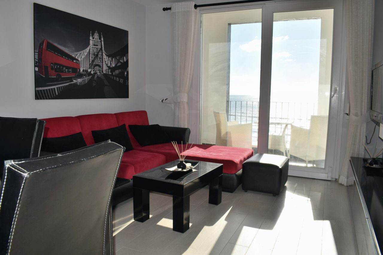 Holiday apartment with sea view for rent in Durres