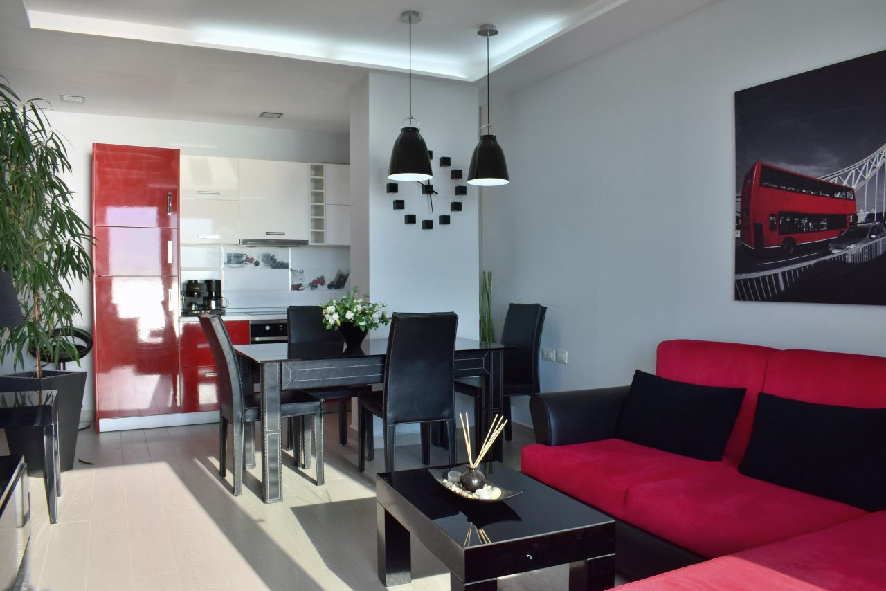 Holiday Apartment in Durres. Front line apartment with full sea view  in Durres