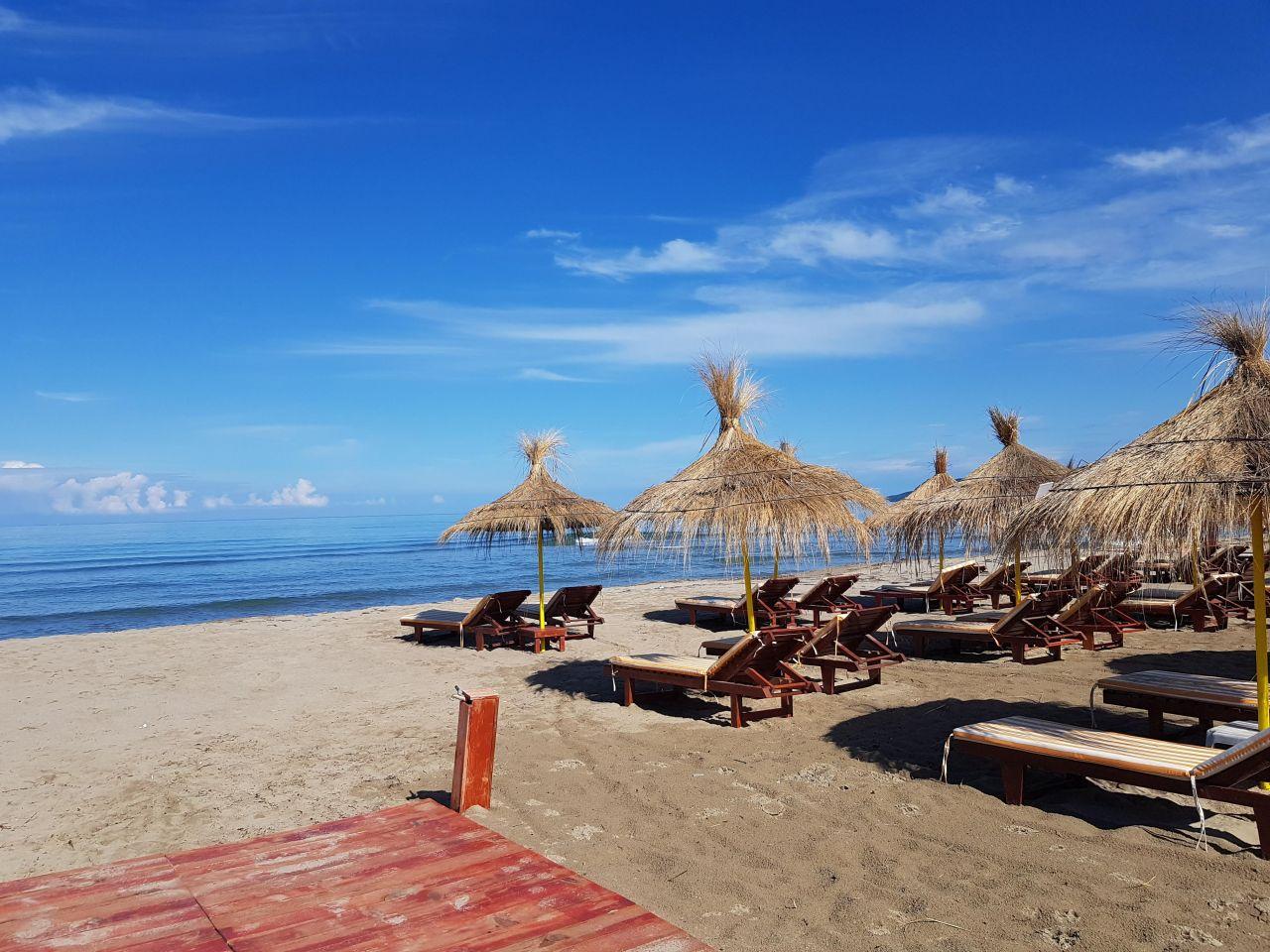 21 Perla Resort, Lalzi Bay, Durres 2001
