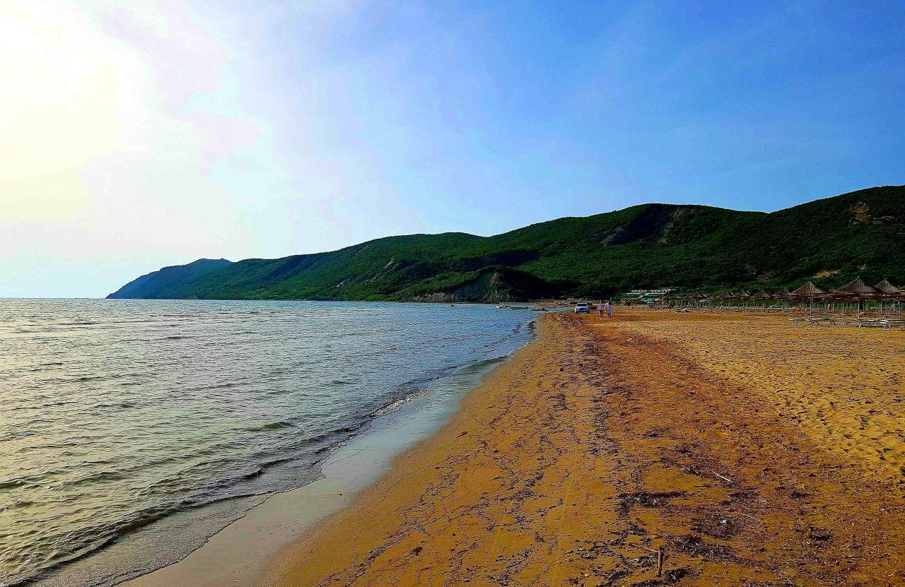 21 Lalzi Bay, Durres 2001