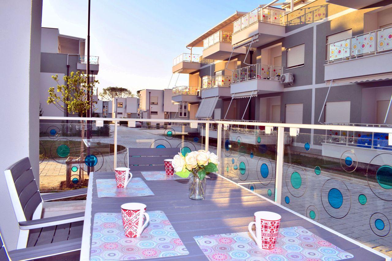 Апартаменты для отдыха на курорте Perla в бухте Лалзит