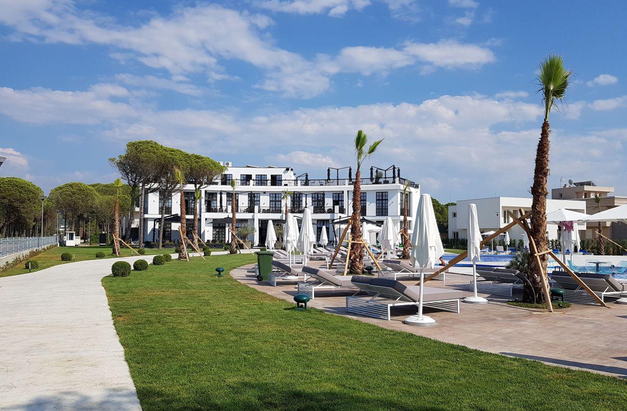Lalzit Bay Új lakás kiadó Albánia Lura 2 Resort