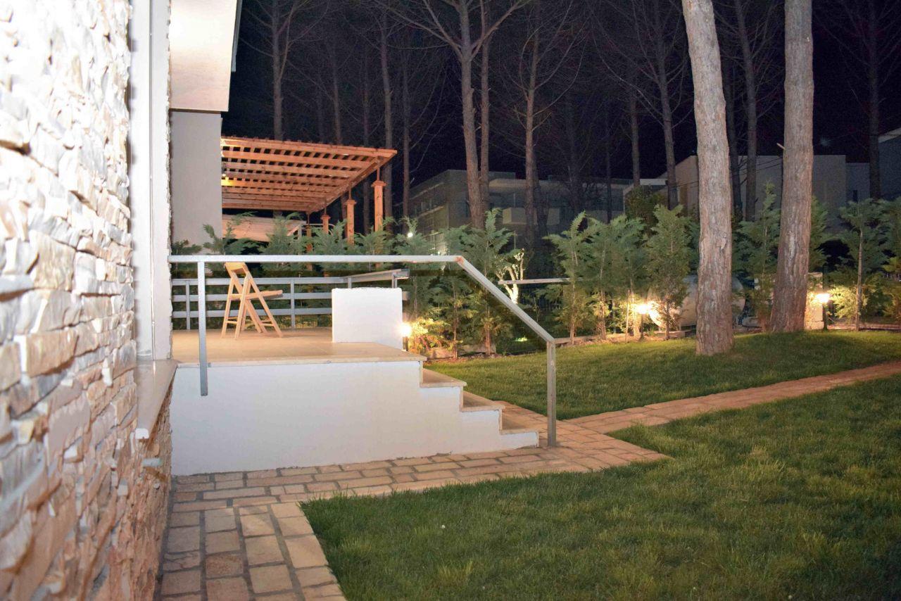 Vacation House at Lura 3 Resort, Lalzit Bay