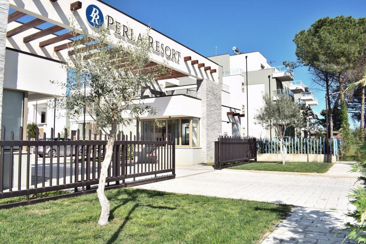 21 Perla Resort, Gjiri i Lalzit, Durres 2001