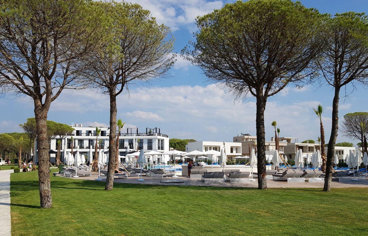 Lura 2 Resort Apartament me Qera Pushimesh ne Gjirin e Lalzit