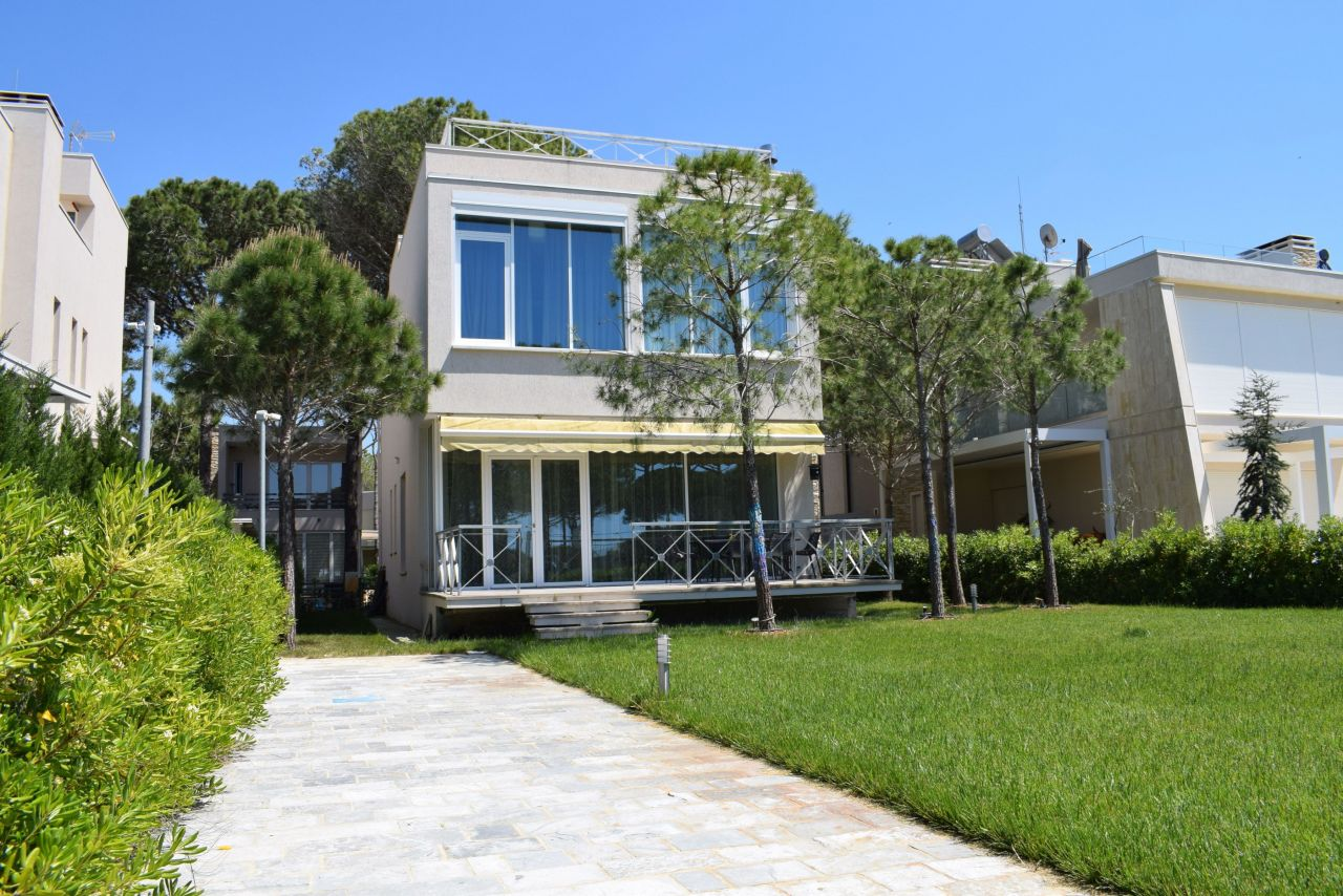 Luxury Modern Villa For Rent At Lura 3 Resort