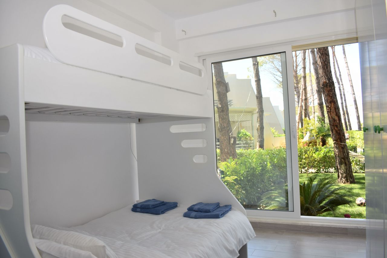 21 Lura 3 Resort, Gjiri Lalzit, Durres 2015