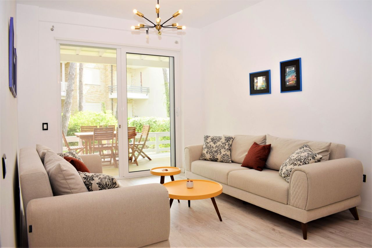 Appartamento Per Vacanze Con Giardino In Affitto a Lalzit Bay