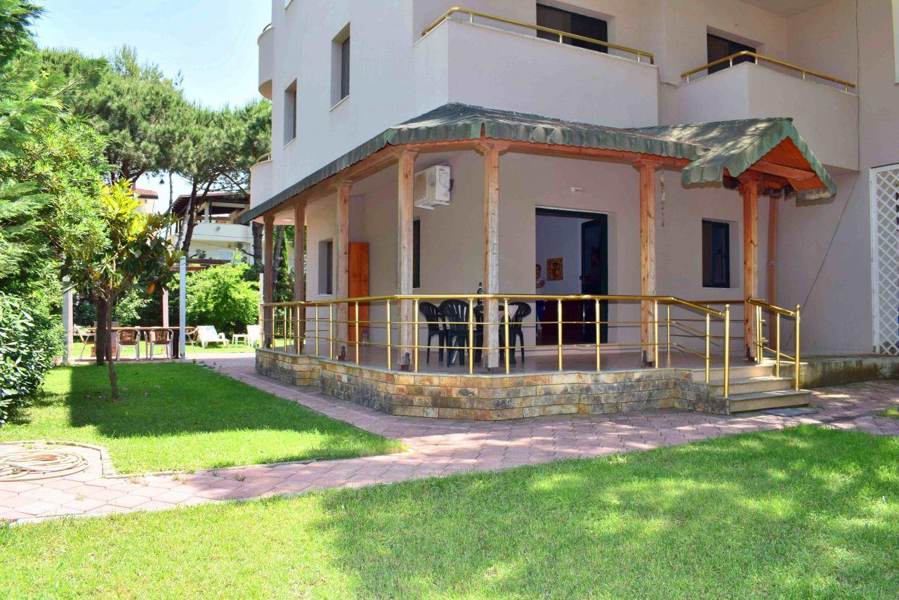 Vacation Rental Villa with Garden