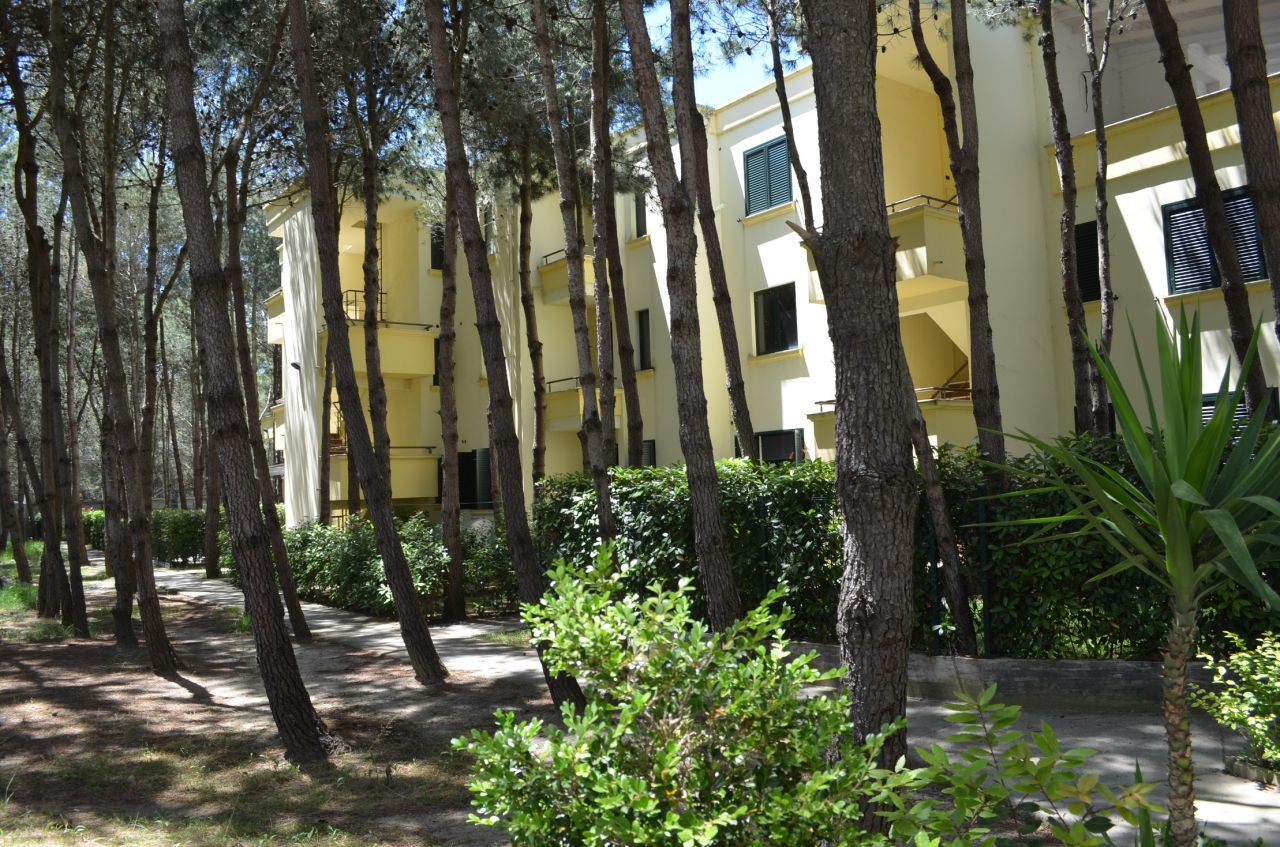 Invest in Albania Apartments in Durres inside a gated residence and next to the sea