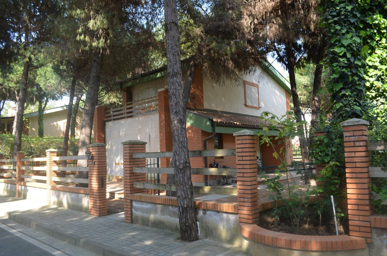 Villa in Albania for Sale. Albania Real Estate in Durres Beach