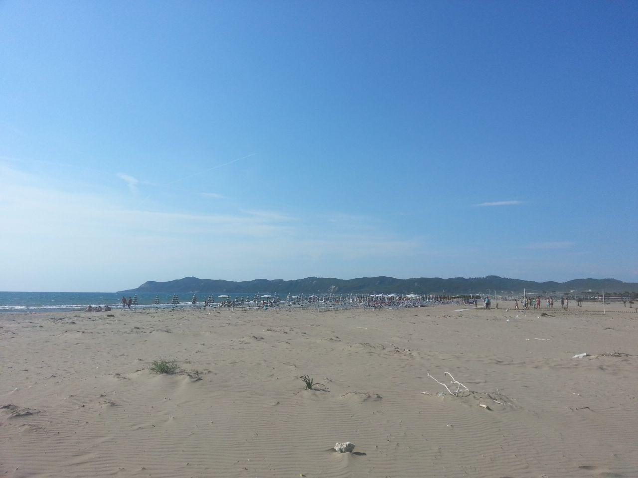 Najlepsze piaszczyste plaże w Albanii. Idealne miejsce na rodzinne wakacje