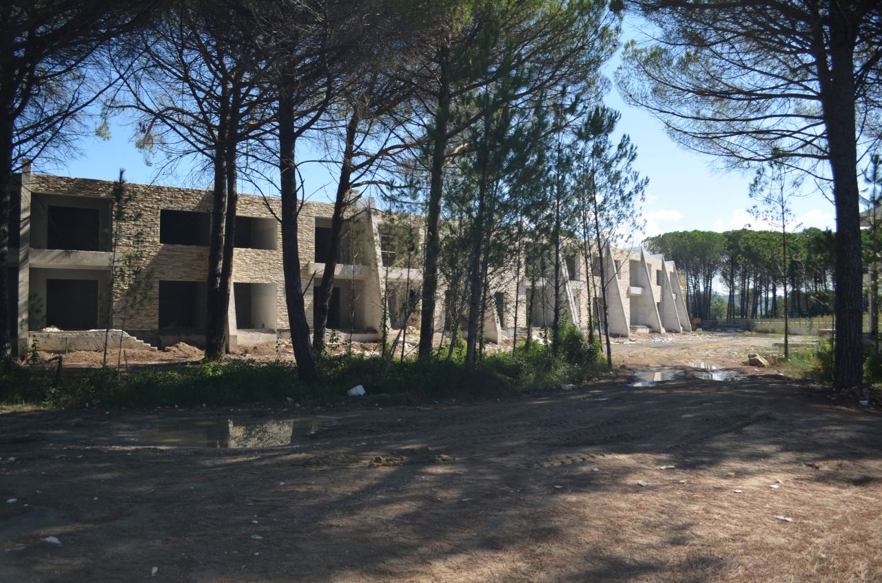 Недвижимость в Албании, Дуррес. Курорт Ляльзи Бей. Апартаменты на береговой линии в Центральной Албании