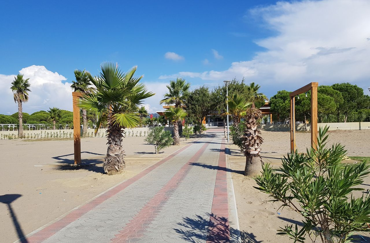 21 Lura 3 Resort, Gjiri i Lalzit, Durres 2001