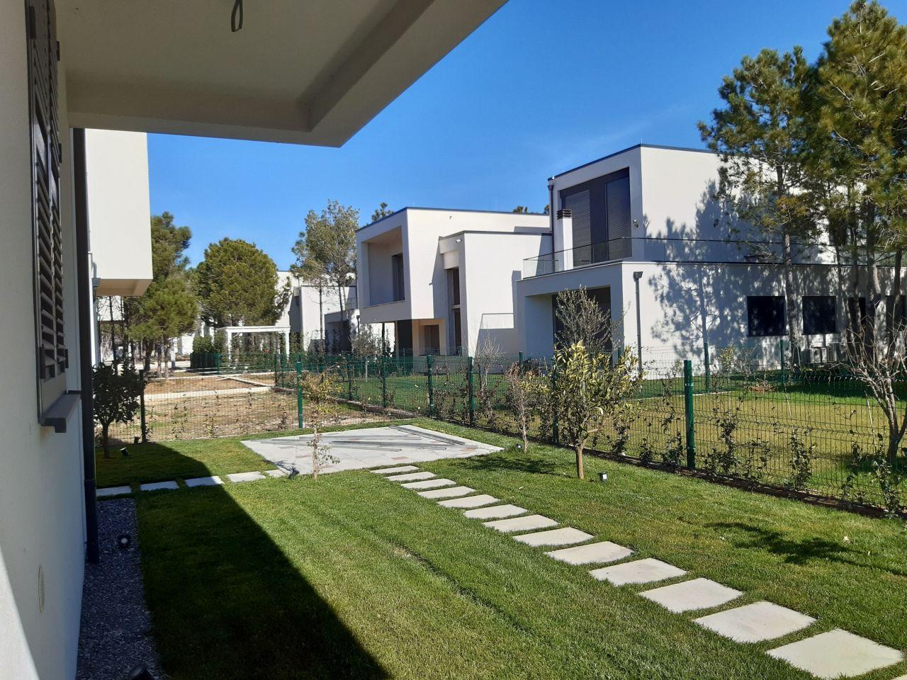 Villa In Vendita Valamar Residences Baia Di Lalzit