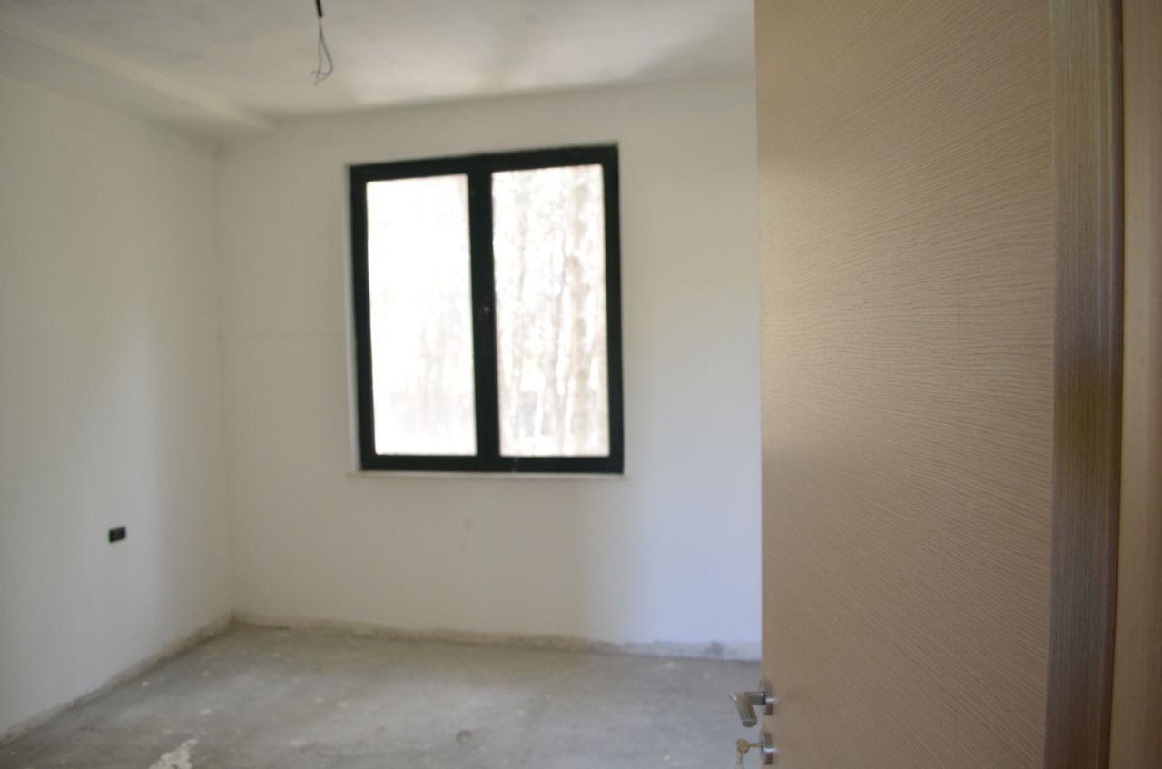 Квартира на продажу в туристической деревне очень близко к морю в Албании, в городе Durresi.