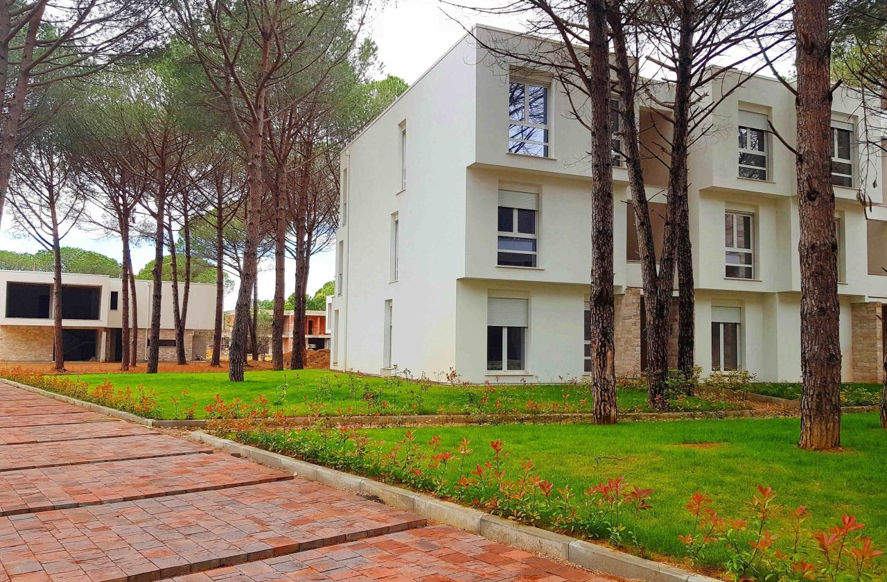Eladó Lakások a San Pietro Resortban. Apartmanok Gjiri i Lalzit Városában