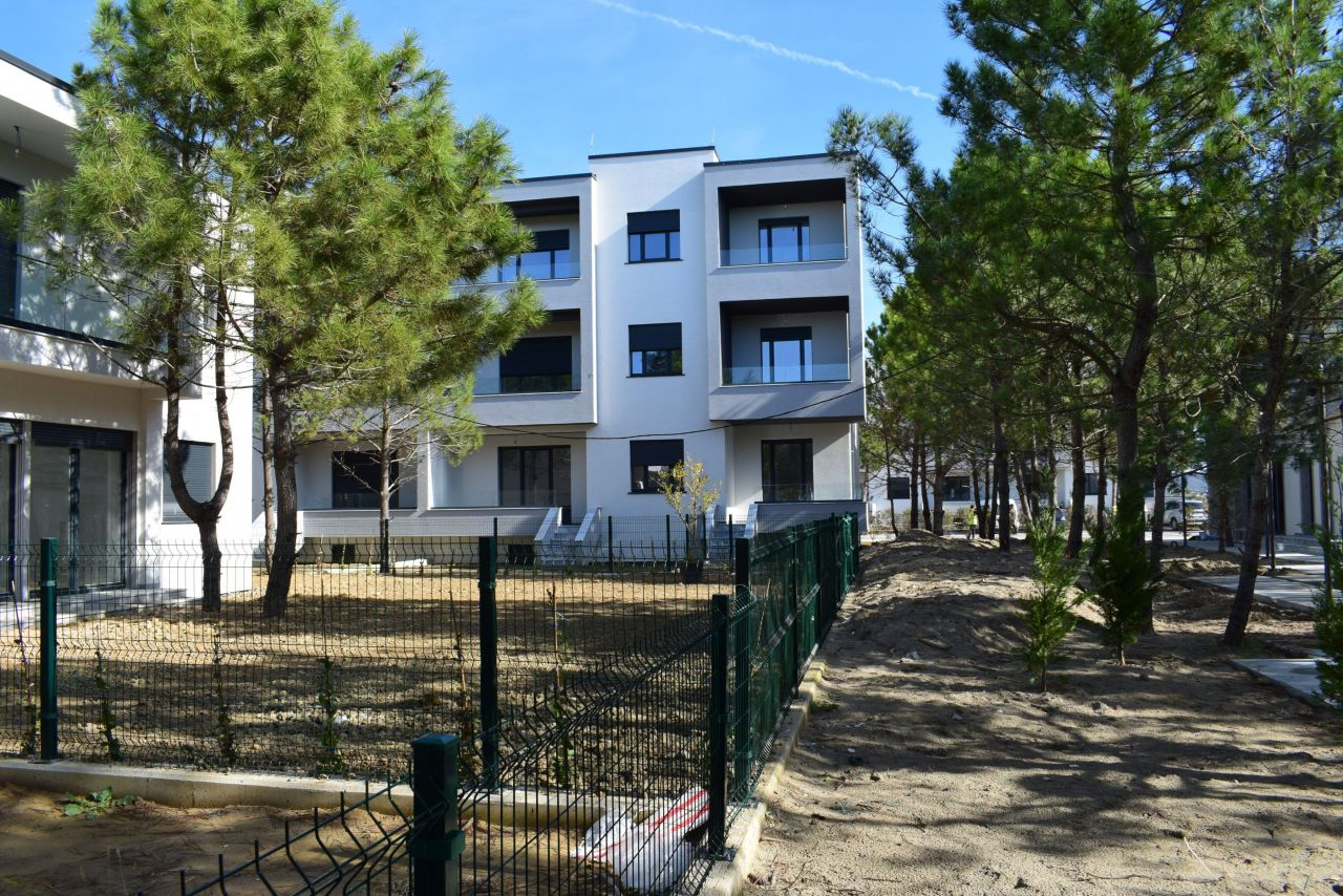 Apartment for sale in Valamar Residence in Gjiri Lalazit
