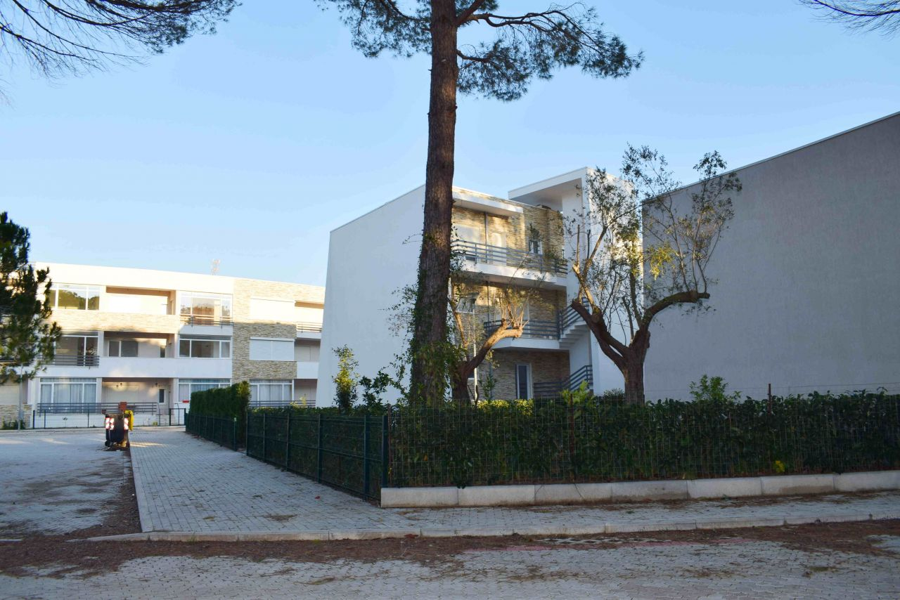 Apartments in Gjiri i Lalzit for Sale