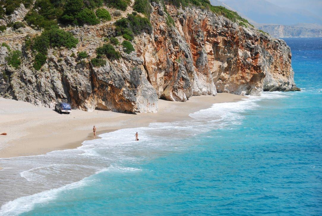 Albania Bids For Slice of Russian Tourist Market
