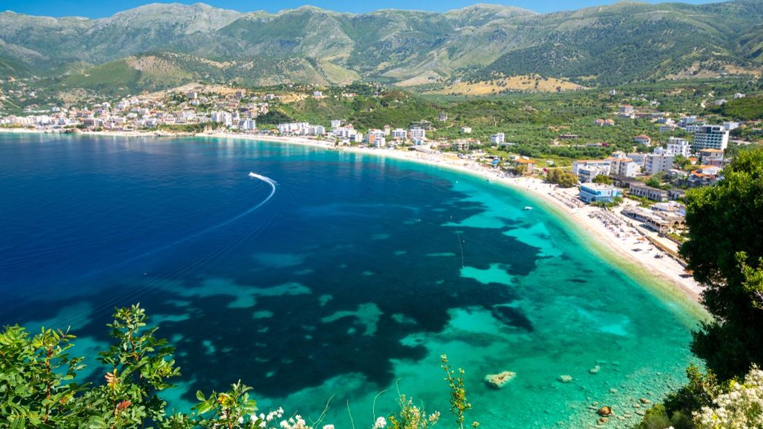 Czech media writes about Albania. Where to buy an apartment by the sea?