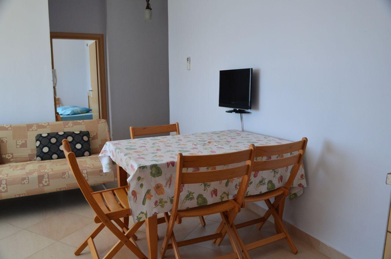 Apartman kiadó Qeparo, közel Himara és nagyon közel a tengerhez.