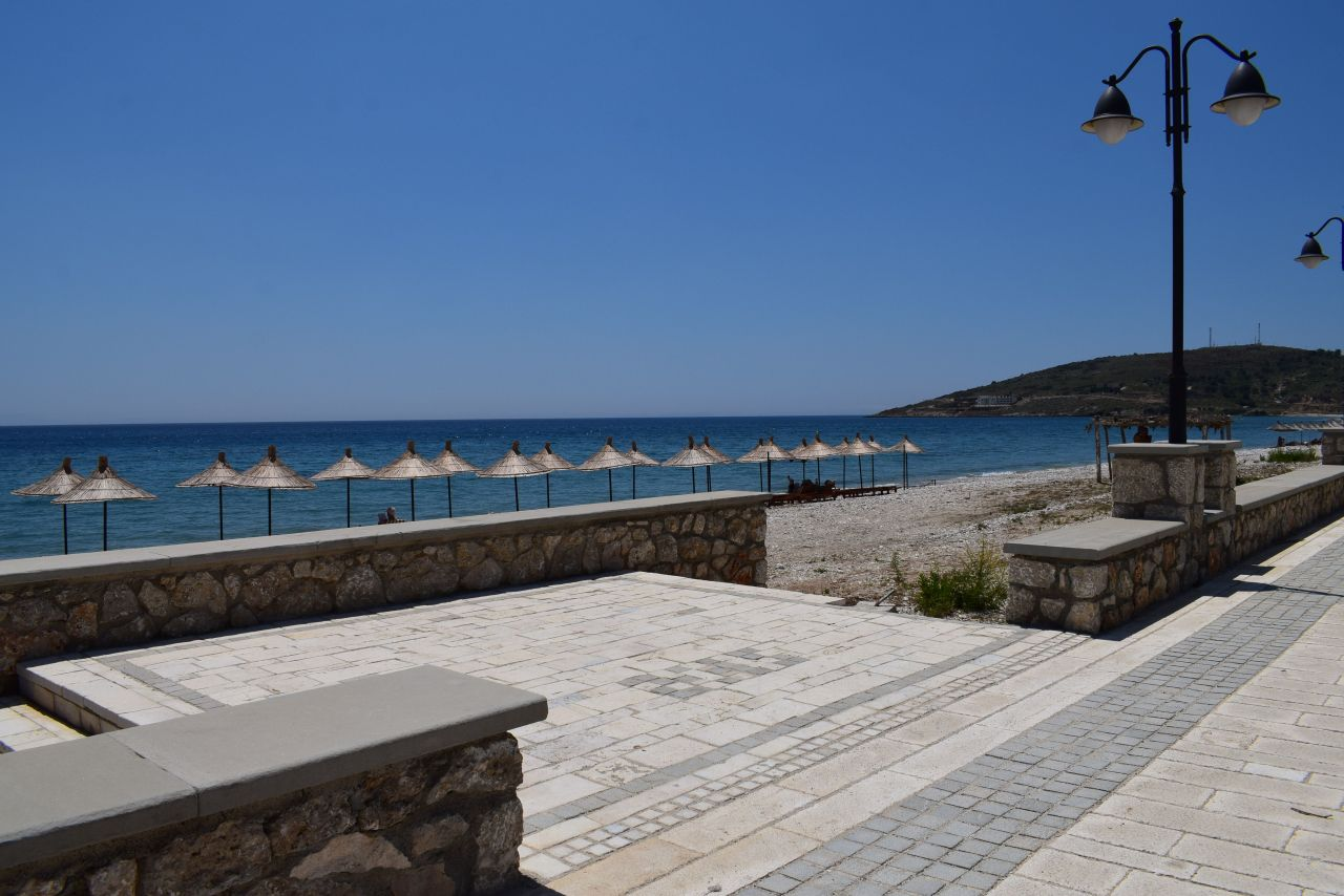 Holiday Studio Apartment for Rent in Qeparo, in the front line to the sea.