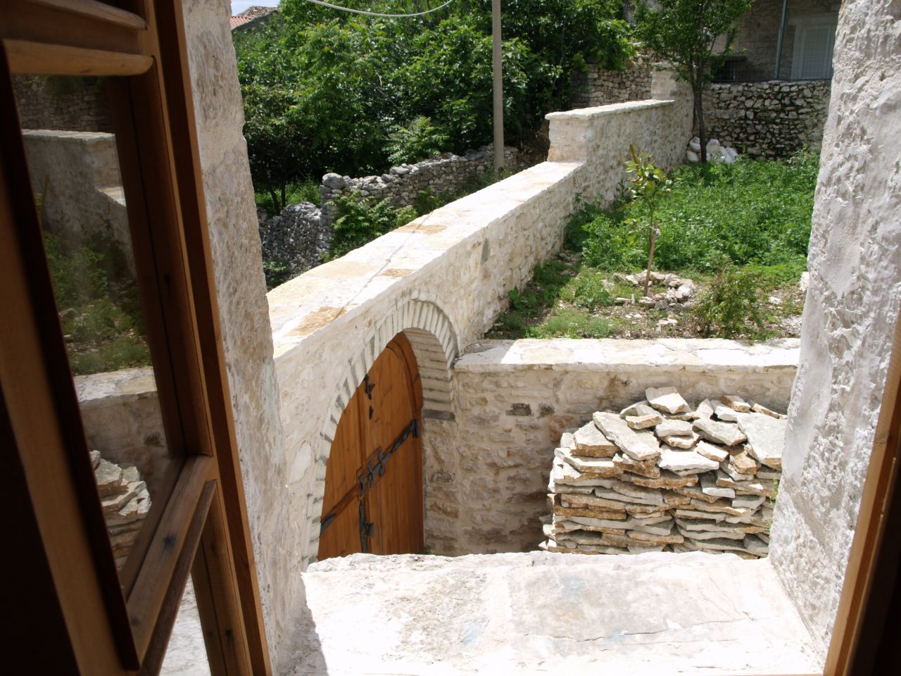 vacational house for rent in Qeparo