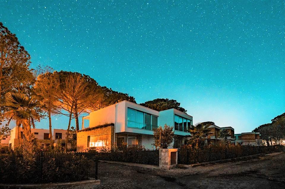 21 San Pietro Resort, Gjiri i Lalzit, Durres 2001