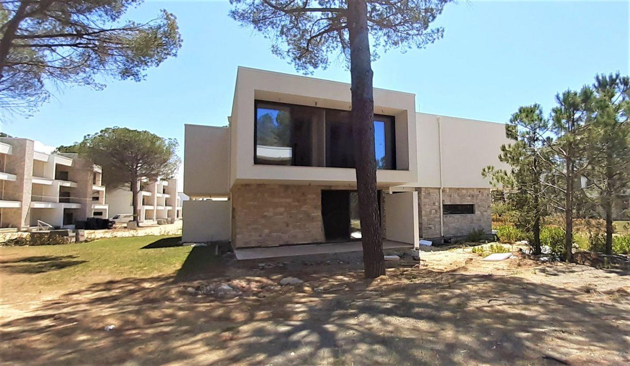 Villa Til Salgs På San Pietro Resort I Gjiri I Lalzit