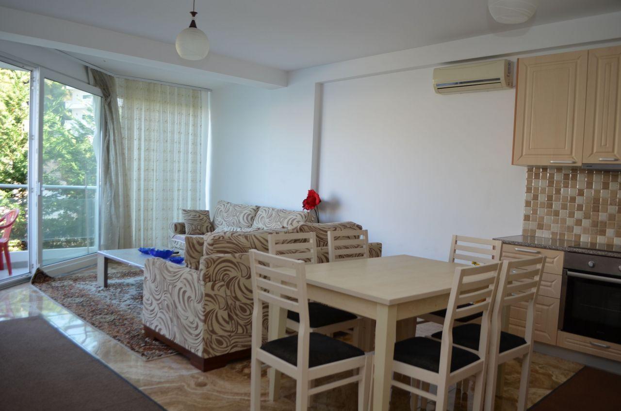 Apartamente Pushimi ne Sarande. Apartamente me Qera Buze Detit