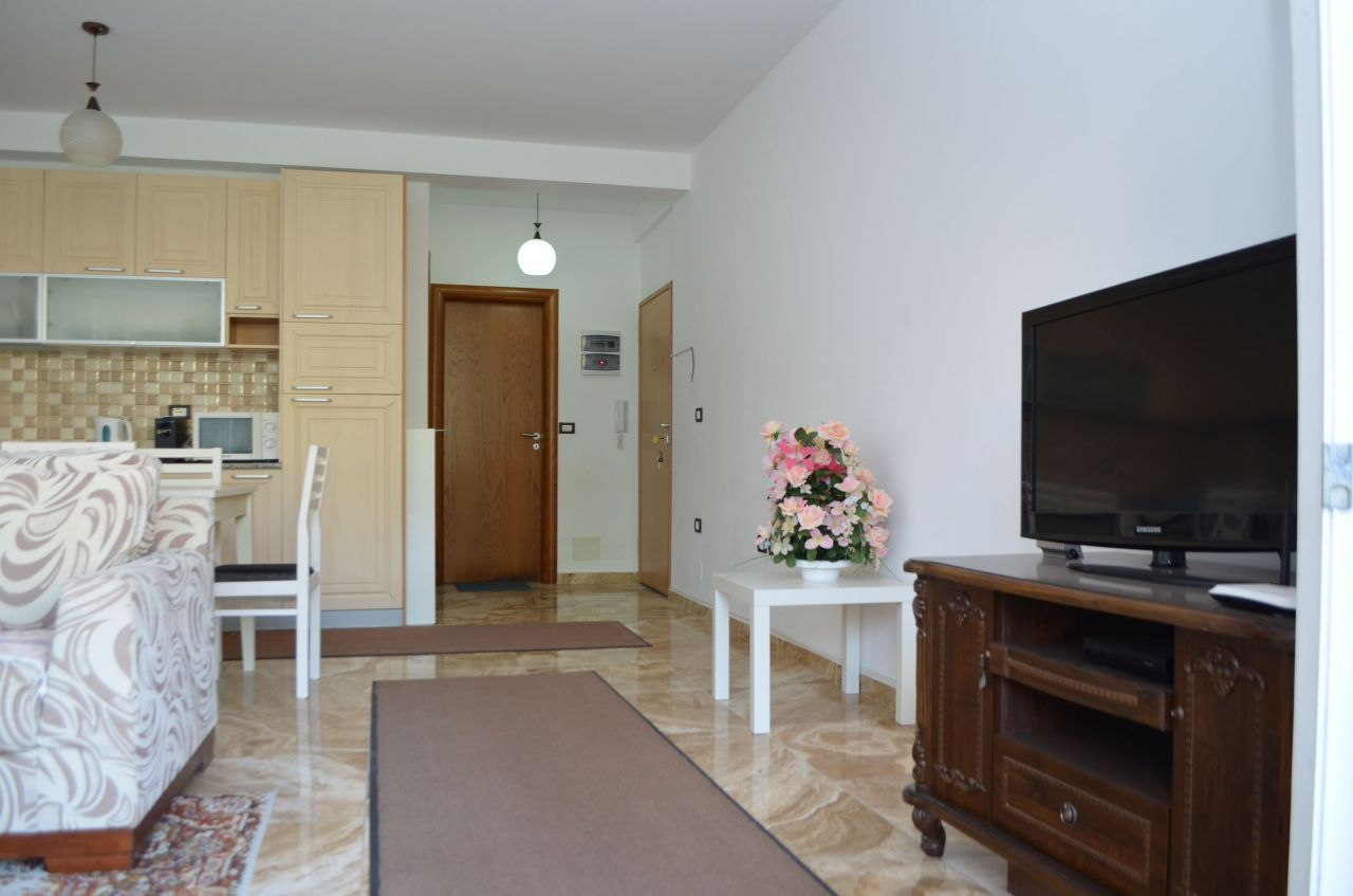 Holiday rental in Saranda next to the sea