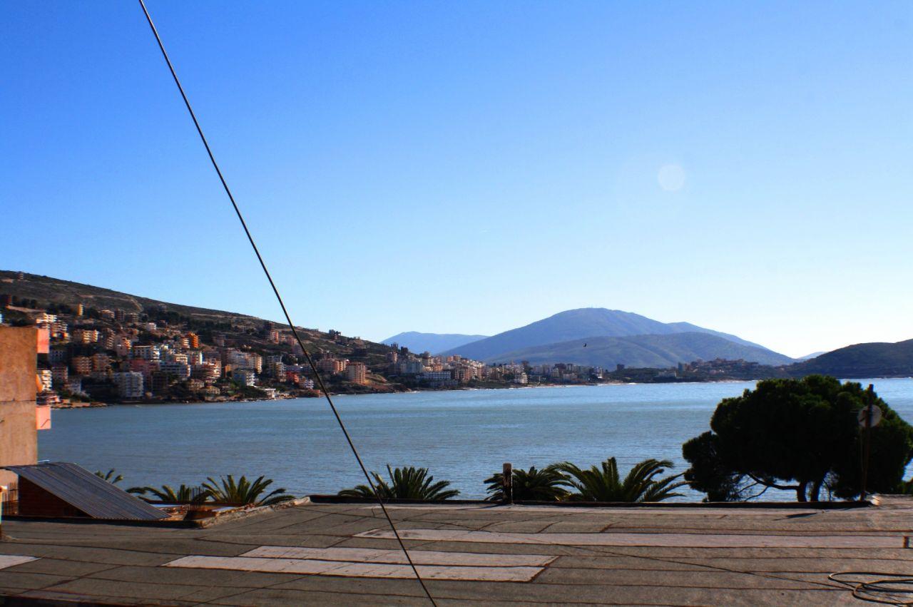Lakás kiadó vakáció a gyönyörű albán város Saranda. A lakás egy fantasztikus kilátás a tengerre.
