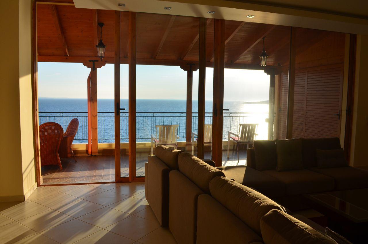 Пентхаус в аренду для отдыха в Саранда, для летнего отдыха на пляже.