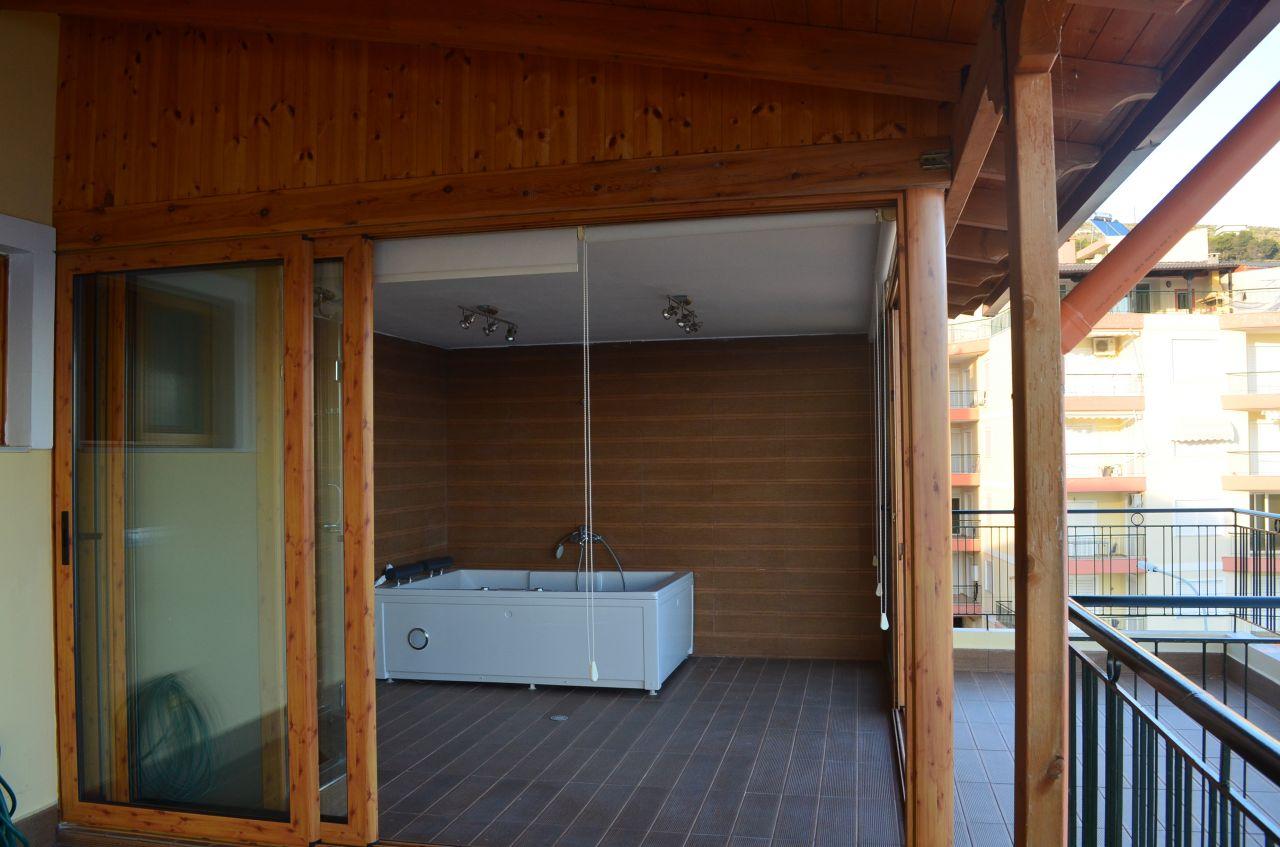 Papafingo me qera ne Sarande. Apartament pushimi ne Shqiperi.