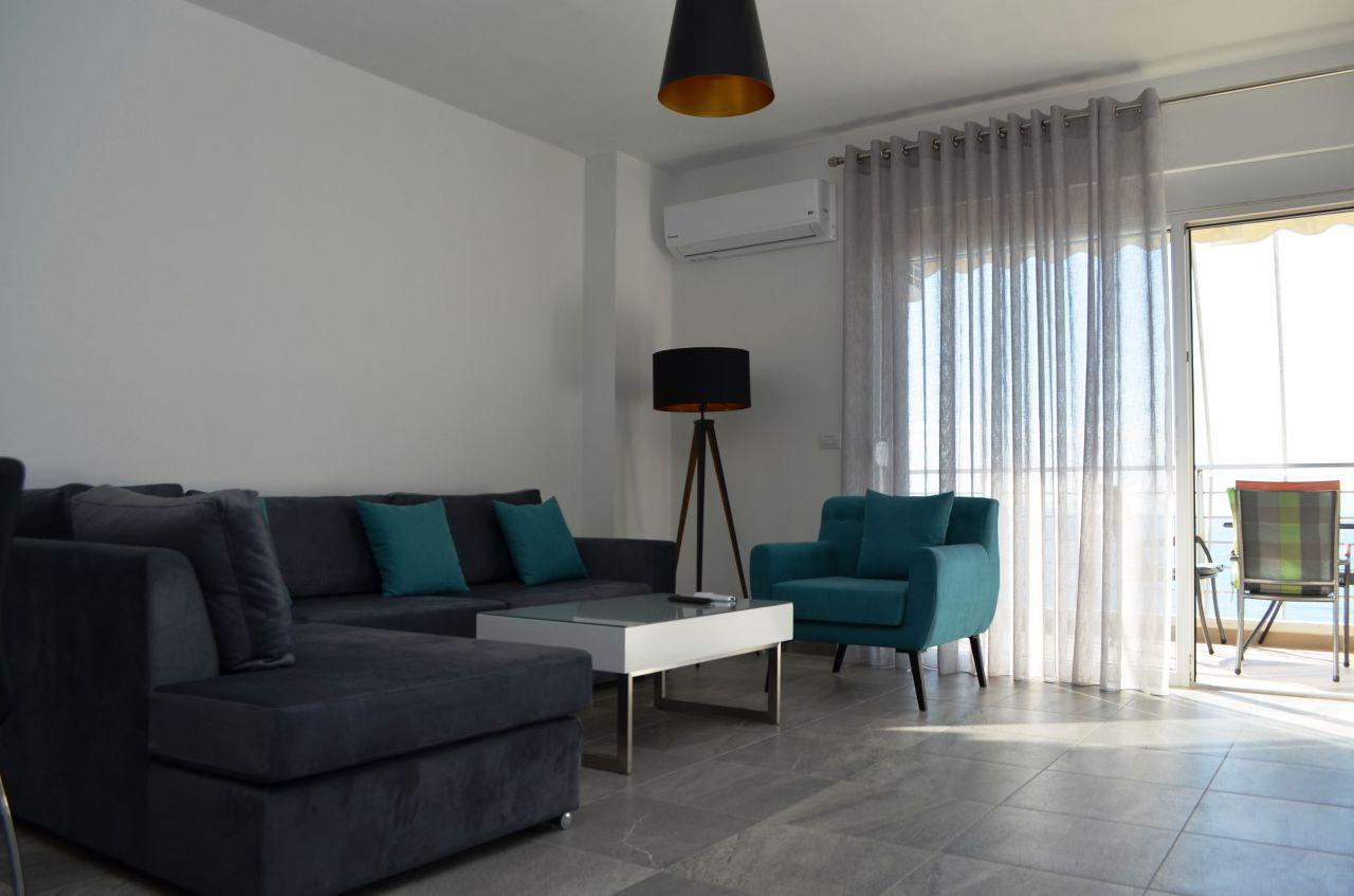 Apartament Qira Sarande Mobilim Modern Pamje Deti
