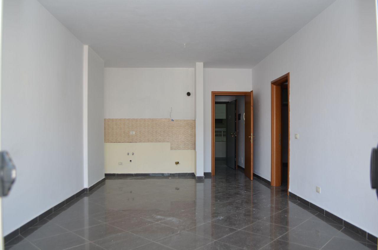 4 Rruga Onhezmi , Sarande 9702