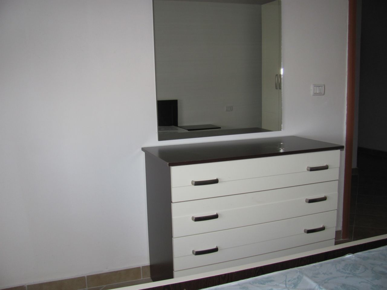 2 bedrooms apartment for rent in tirana, very close to the center