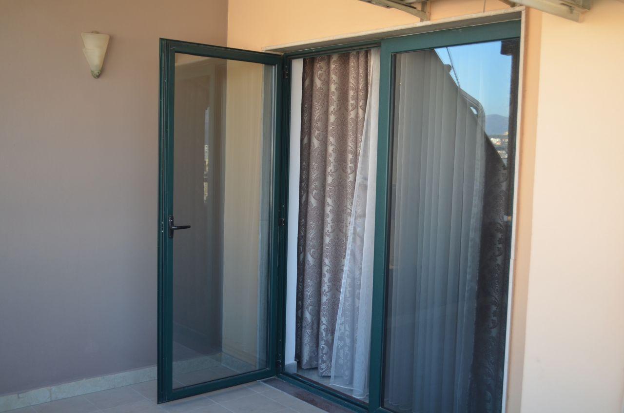 Appartamento di qualita' in affitto a Tirana. L'appartamento ha due camere da letto ed e' ben situato a Tirana.