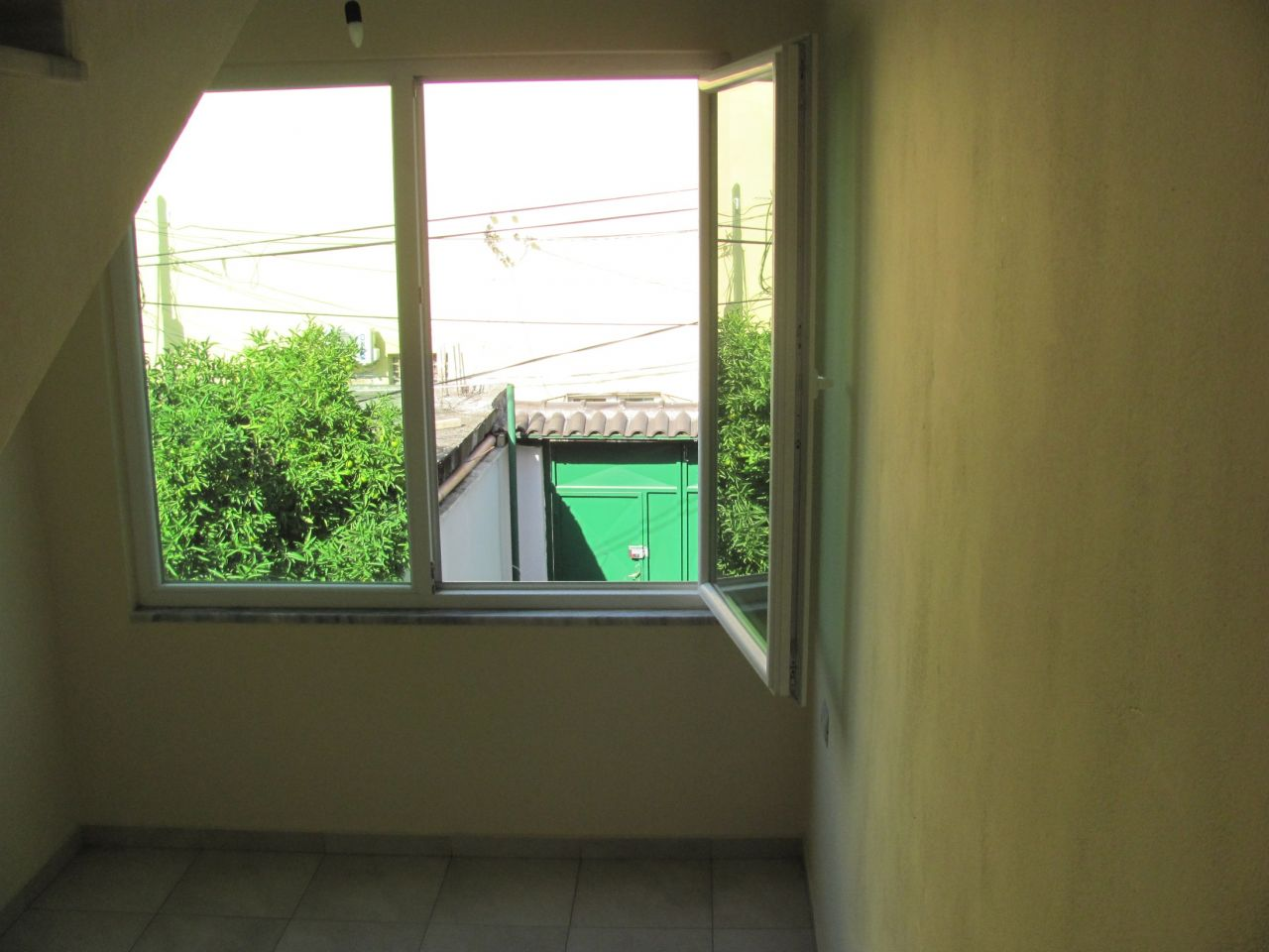 Villa for Rent in Tirana with Garden