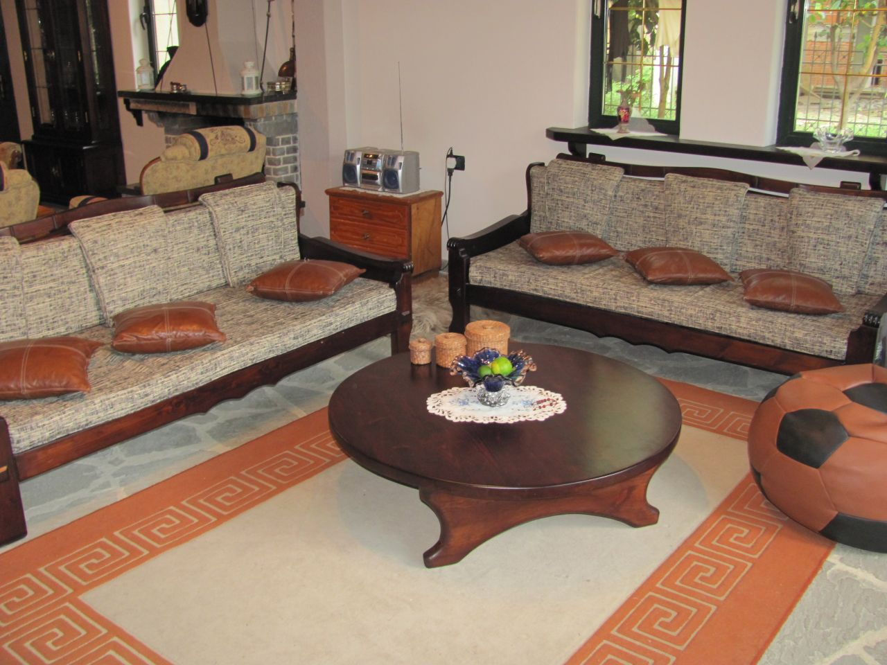Villa with a beautiful garden for rent in Tirane, Albania