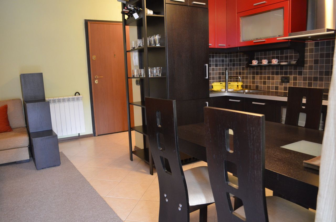 Apartment for rent in a very good area of Tirana