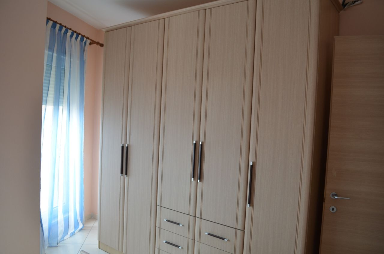 Mieszkanie do wynajęcia z sypialni, bardzo blisko centrum Tirany.